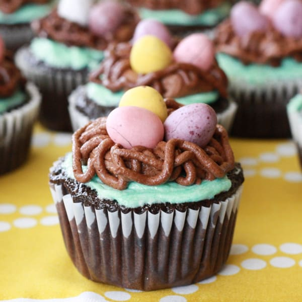 Bird's Nest Easter Cupcakes