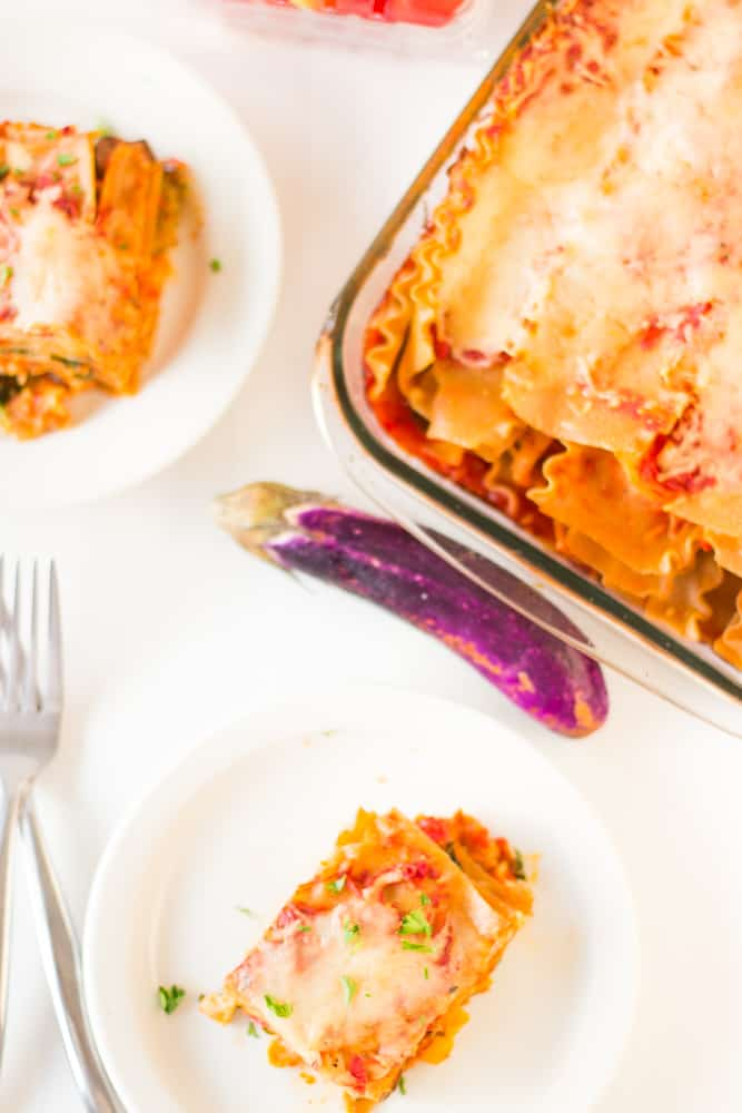 This whole wheat hearty and loaded vegetable lasagna is delicious, cheesy and completely customisable! #vegetarian #lasagna #vegetables #meatless