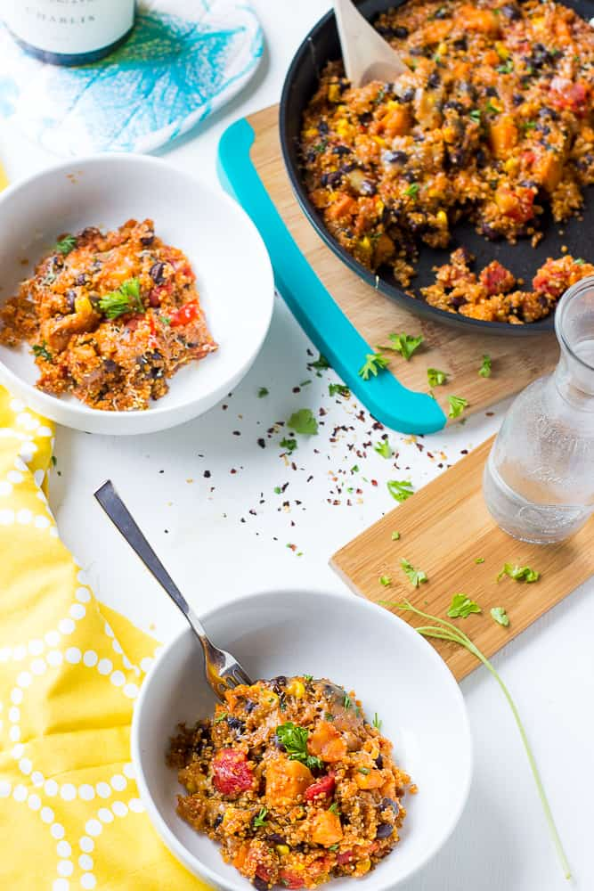 This entire quinoa skillet dish is done from start to finish in 30 minutes, all in ONE pot! It's a healthy, nutritious & flavorful family-friendly dish!-4