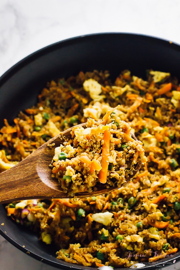 This Quinoa Fried Rice takes only 15 minutes to make! It tastes just like regular fried rice, except it's healthier, loaded with much more nutrients and foolproof! via https://jessicainthekitchen.com