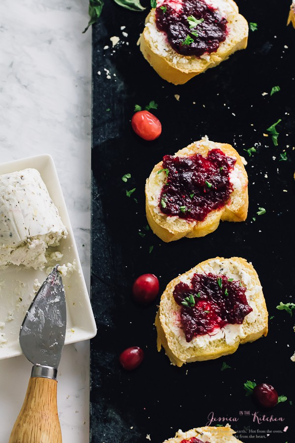 This Cranberry Goat Crostini is a super quick and easy appetiser that's bound to please your guests! It's great for using up leftover cranberry sauce! via https://jessicainthekitchen.com