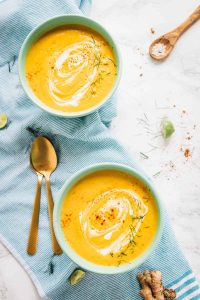 This Roasted Carrot Soup tastes absolutely creamy, is loaded with flavour and is made in your oven! The ingredients are roasted then put right into your blender, so NO time is spent hovering over the stove. It's the easiest soup you'll ever make. It's also vegan, gluten free and loaded with delicious healthy ingredients. via jessicainthekitchen.com