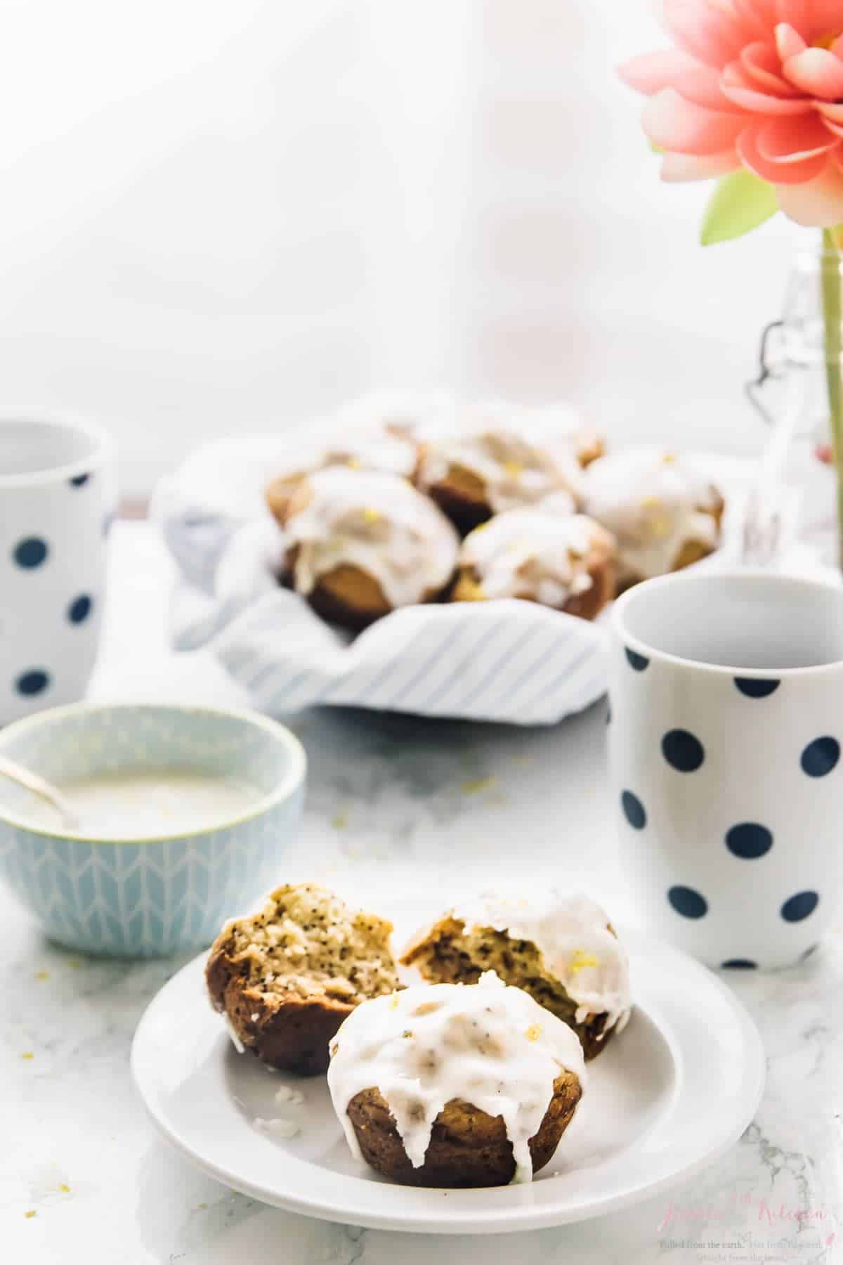 These Lemon Poppyseed Muffins are perfect for Spring & Mother's Day! They are so fluffy, filled with lemon flavour and are vegan and gluten free! via https://jessicainthekitchen.com
