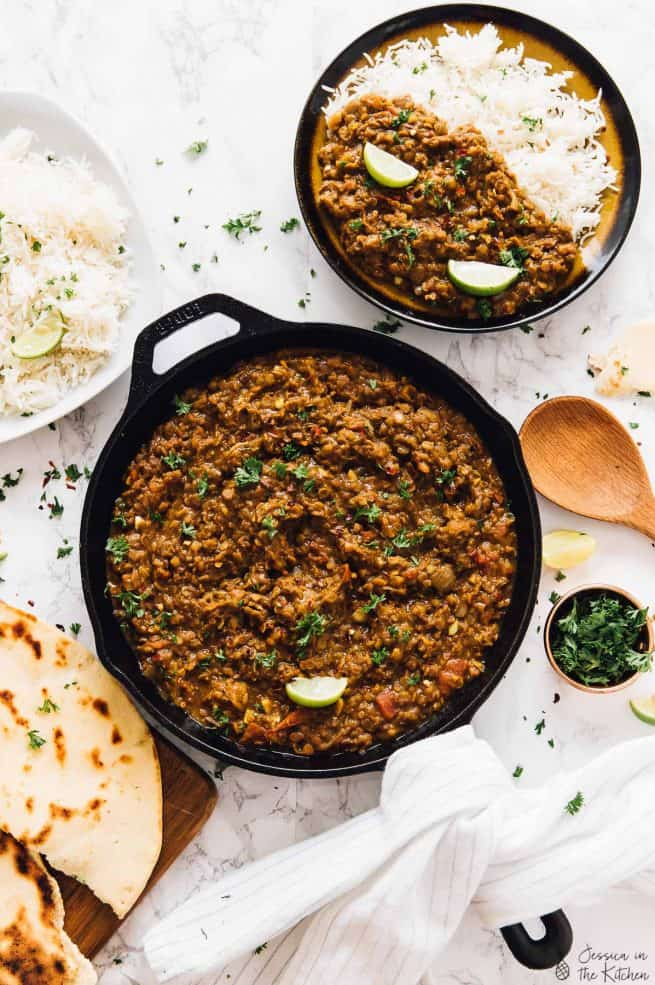This Red Lentil Curry is SUCH a delicious curry recipe made in under an hour! It's made easily in one pot, is vegan and freezes so well! via https://jessicainthekitchen.com
