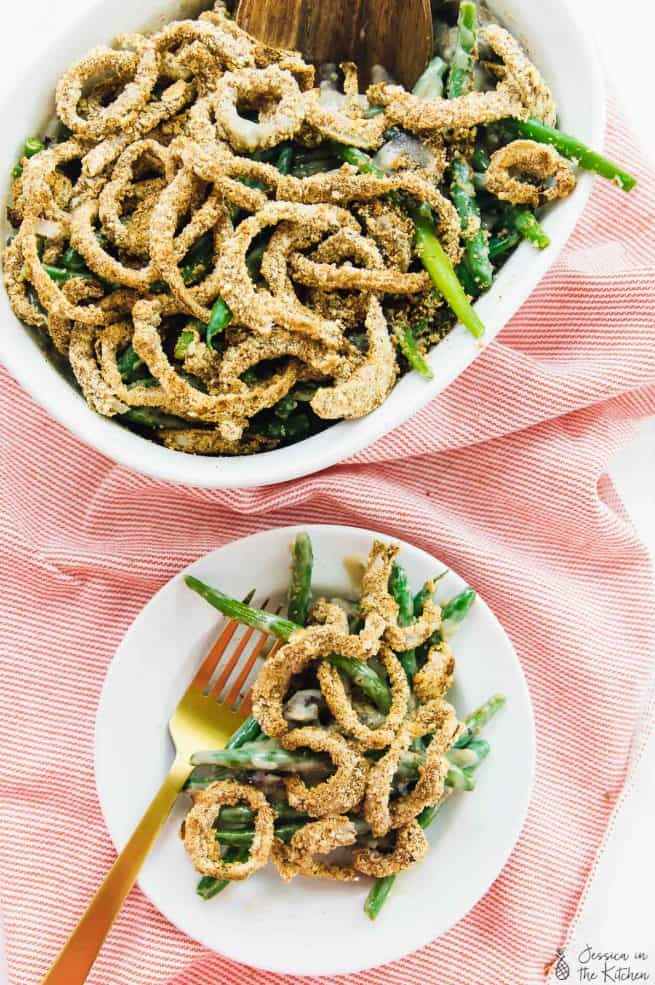 This Vegan Green Bean Casserole takes only 30 minutes! It's easy, creamy, completely delicious and gluten free! via https://jessicainthekitchen.com