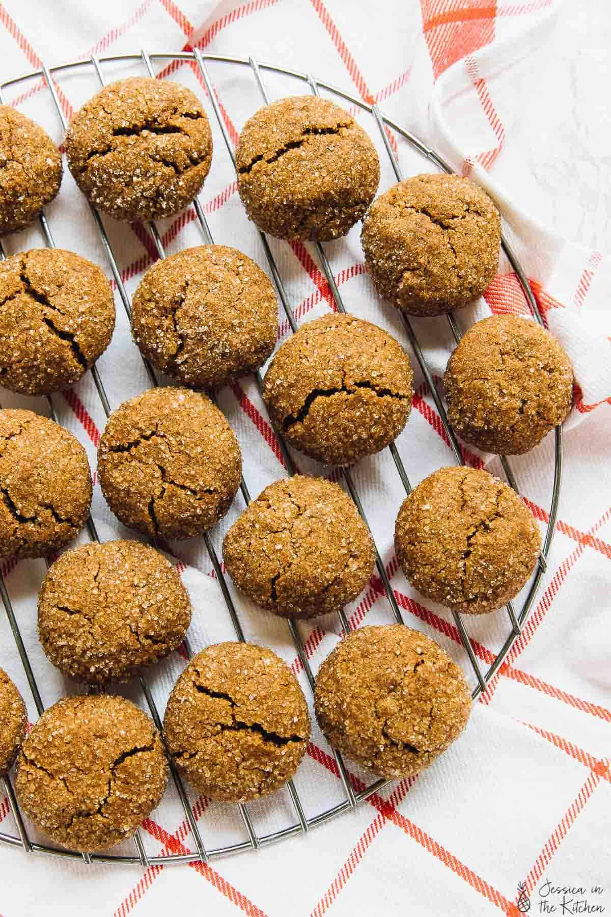 These Soft Chewy Gingersnap Molasses Cookies are a MUST make for the holidays! They are vegan, gluten free & made with unrefined ingredients! P.S. You can't eat just one!!