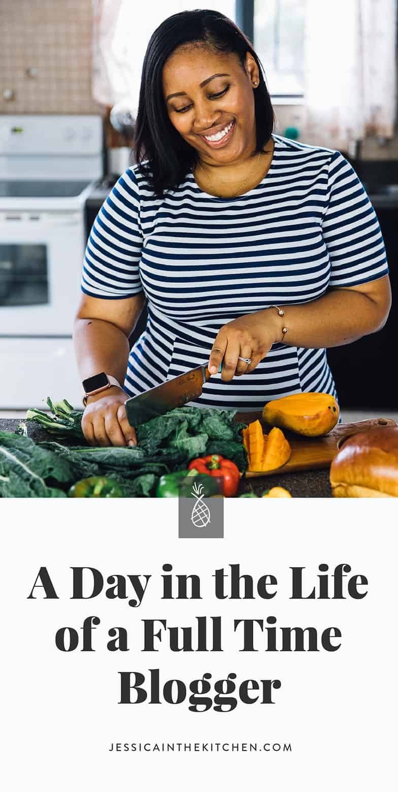 Have you ever wondered what a blogger does daily? Here's my new post - A Day in the Life of Jessica - A Full Time Food Blogger (What It's Actually Like) - I go into detail on income, criticisms, joys and what I do all day! via https://jessicainthekitchen.com #blogging #vegan #foodblogger #pinterest #bloggingtips