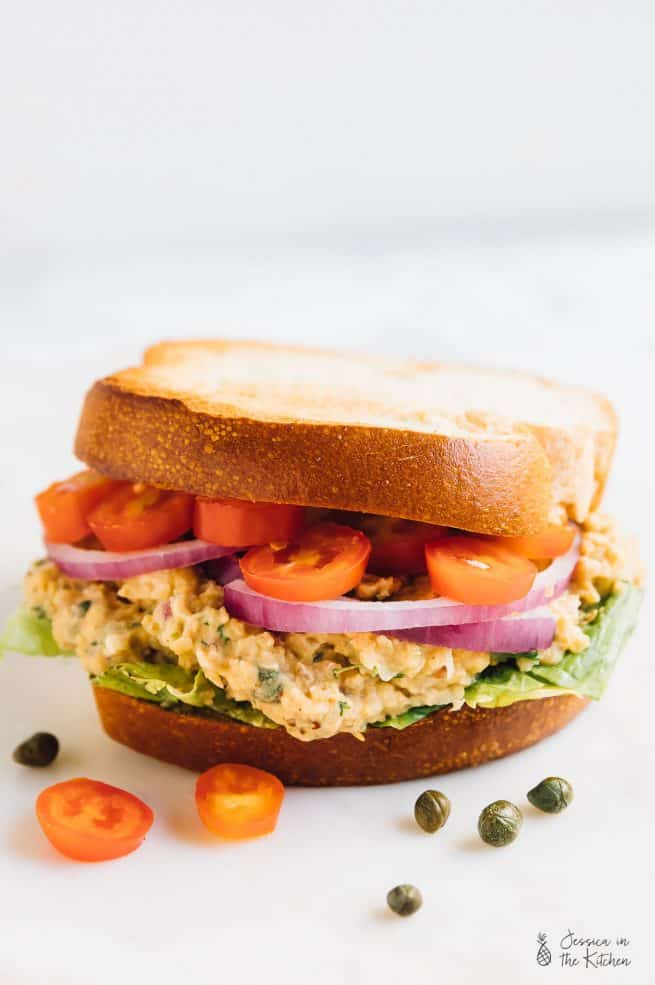 This Chickpea Tuna Sandwich is just like your favourite tuna sandwich, veganised! It's loaded with so much flavour, is perfect for on the go meals and is SO delicious! via https://jessicainthekitchen.com