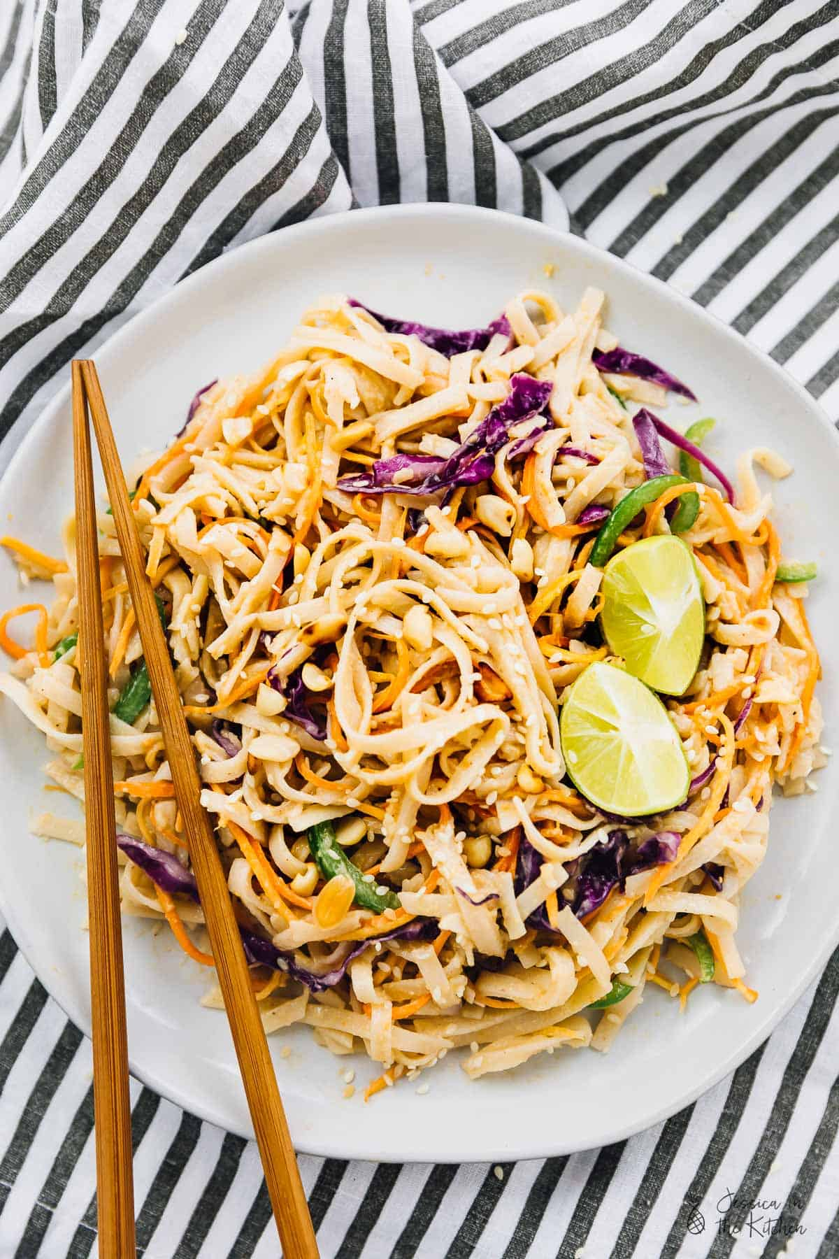 This Asian Noodle Salad is loaded with so much flavour and is amazing for an easy lunch! It's tossed in a creamy peanut ginger sauce! via https://jessicainthekitchen.com