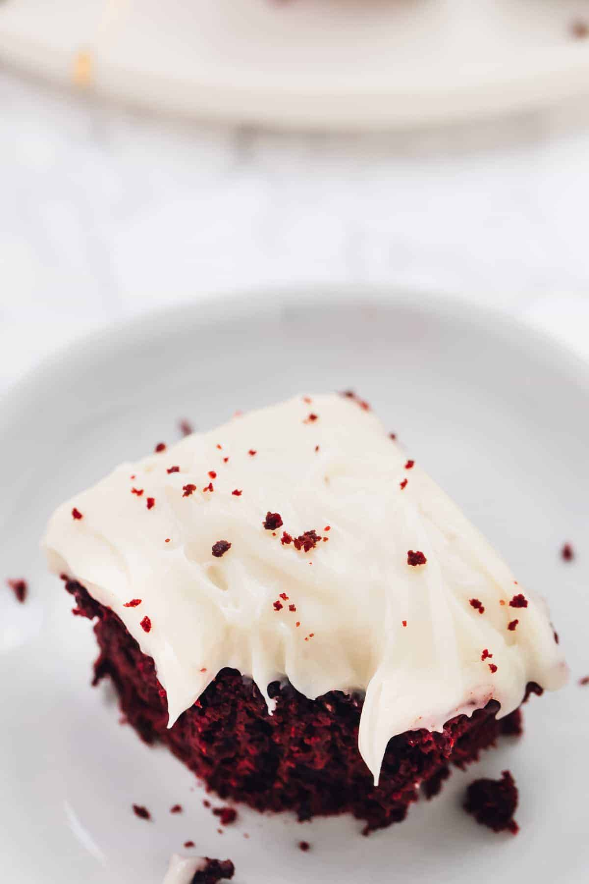 These Red Velvet Brownies are such a divine holiday treat! They're so amazing in flavour, and the vegan cream cheese frosting on top is the perfect final touch! via https://jessicainthekitchen.com