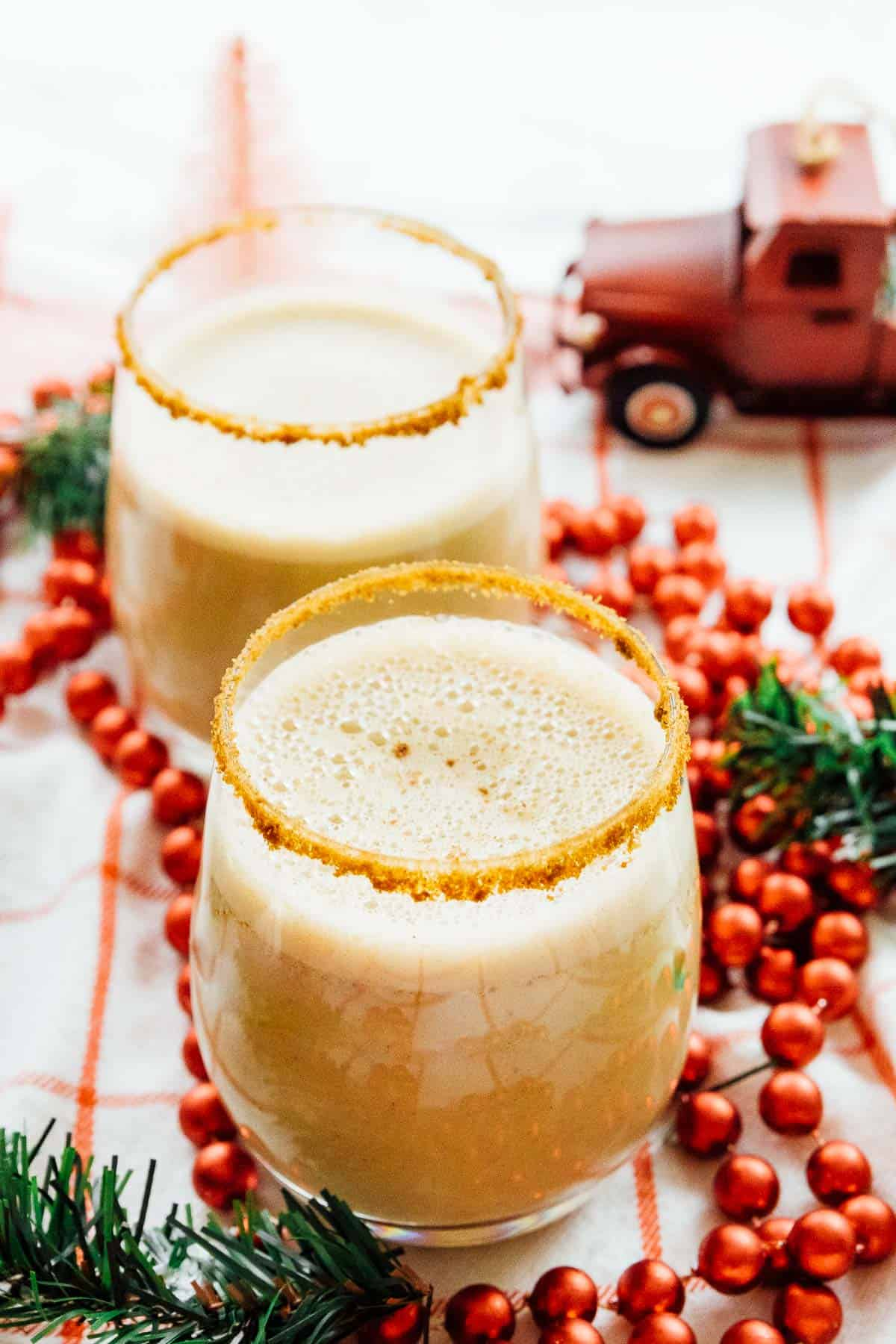 This Vegan Eggnog tastes so much like traditional eggnog it's unreal! It's creamy, comforting and SO easy to whip up in your blender! via https://jessicainthekitchen.com