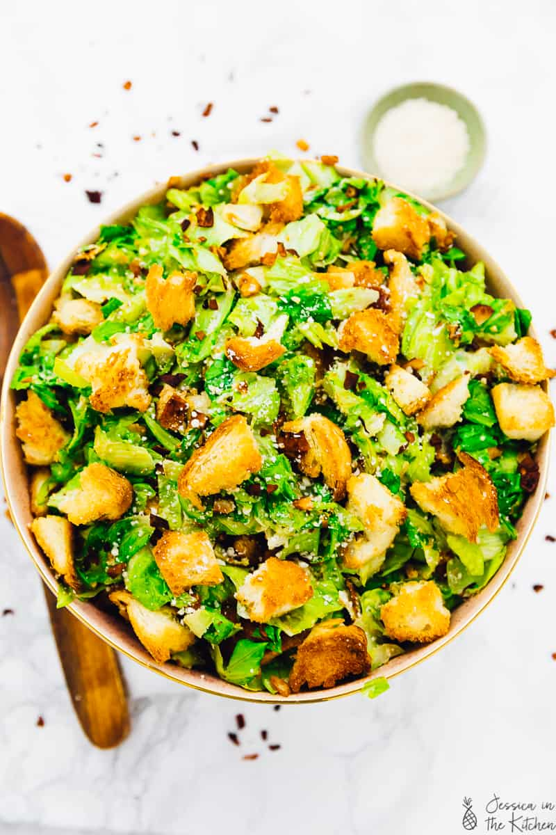 This Vegan Caesar Salad is perfect for a crowd-pleasing dish! It's made with a tangy creamy dressing that's the perfect vegan re-make of the classic, crunchy croutons and crisp romaine lettuce! It's bound to be a new favourite in your household. via https://jessicainthekitchen.com